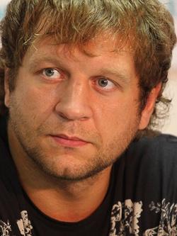 Александр Емельяненко — чемпион по смешанным единоборствам.