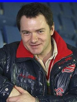 Алексей Тихонов — чемпион Европы по фигурному катанию