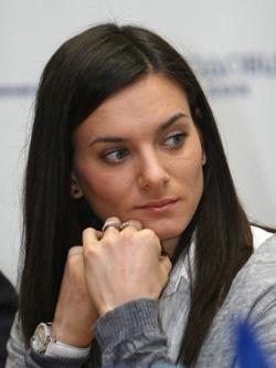 Елена Исинбаева – лучшая российская прыгунья с шестом.