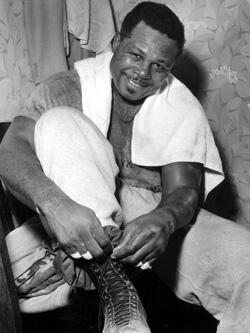 Арчи Мур — боксер по прозвищу «Старый мангуст»
