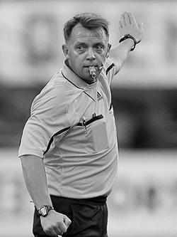 Владимир Петтай — российский футбольный арбитр
