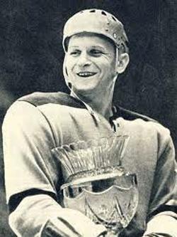 Вениамин Александров — победитель первенства мира по хоккею 1957 года