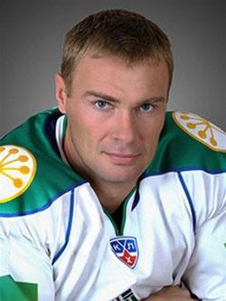 Виктор Козлов — капитан хоккейной команды «Салават Юлаев».