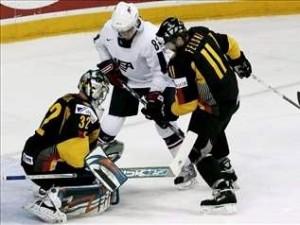 Первые сенсации чемпионата мира по хоккею в Германии